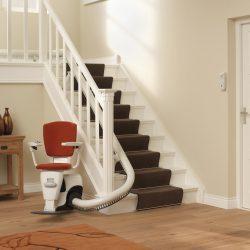 Výťah na schody do domu