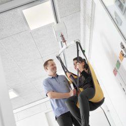 Zdvíhacie zariadenie pre telesne handicapovaných