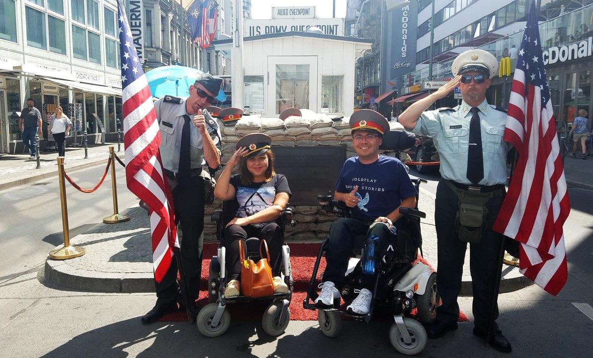 Checkpoint Charlie - archív MR
