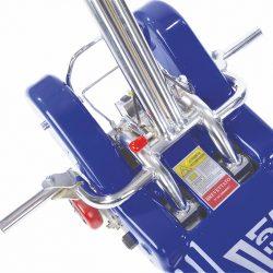 Odklopené dorazy na kolesá invalidného vozíka