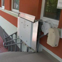 Zložená schodisková plošina SP Omega
