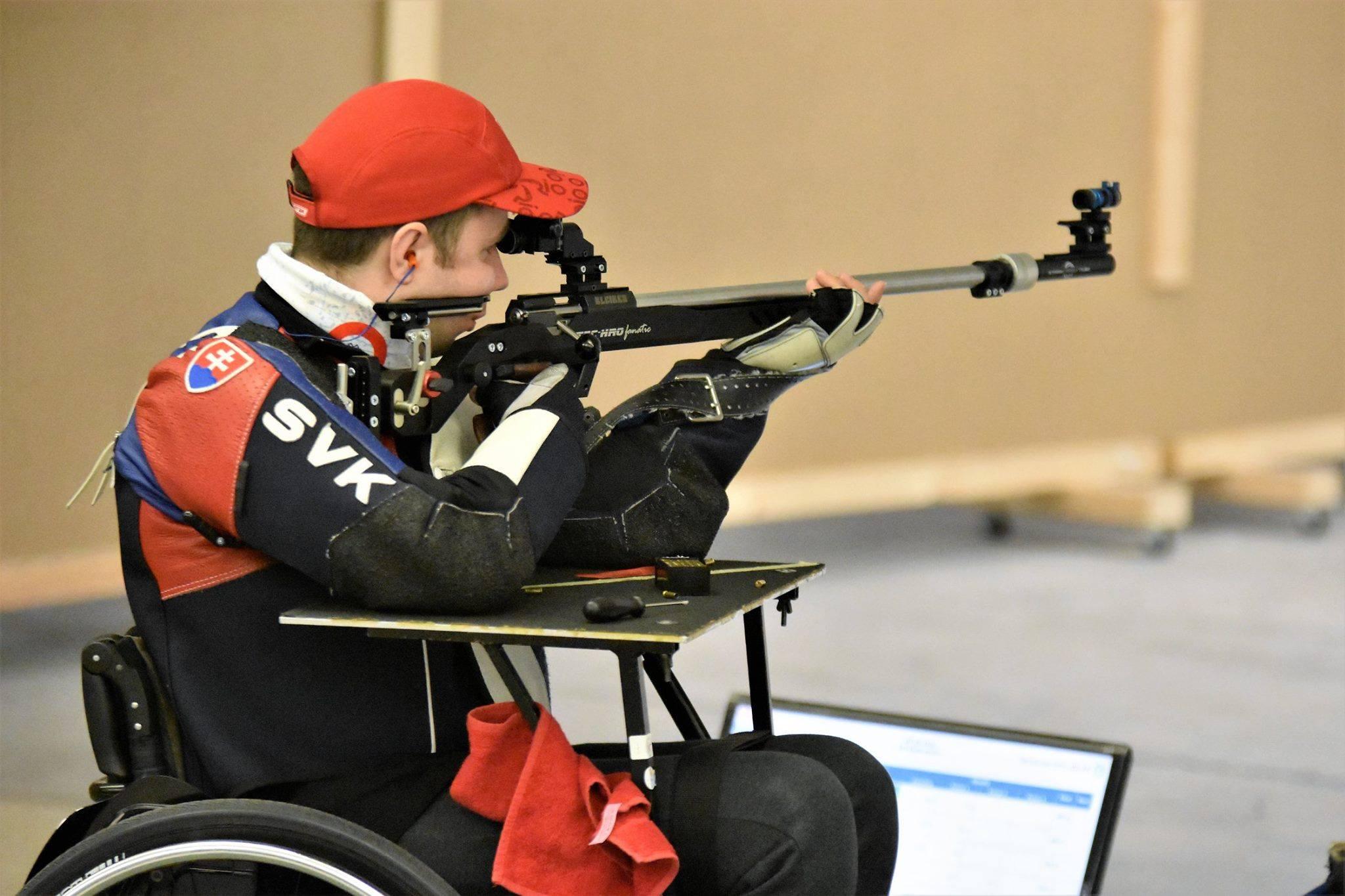 Radoslav Malenovský sústredený na streľbu (FOTO - archív)