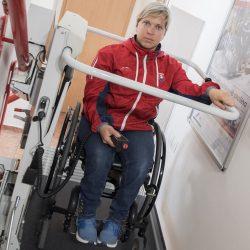 Šikmú schodiskovú plošinu vyskúšala aj paralympionička Veronika Vadovićová