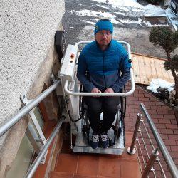Montáž šikmej schodiskovej plošiny a stoličkového výťahu
