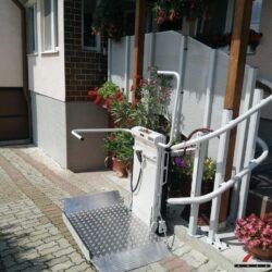 Montáž šikmej schodiskovej plošiny, Štulany